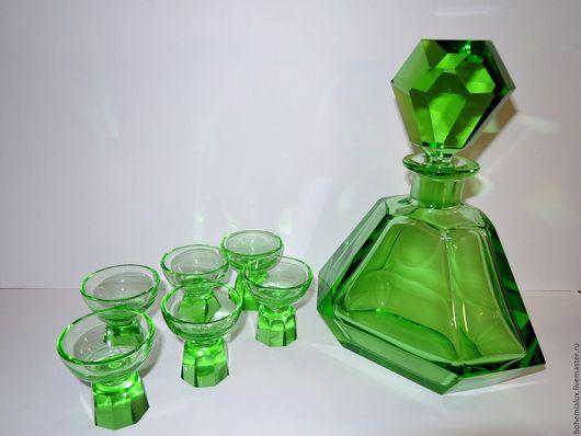 Винтажные предметы интерьера. Ярмарка Мастеров - ручная работа. Купить Набор Графин + 6 рюмок R.Hlousek 1930гг Арт-деко зеленое стекло. Handmade.