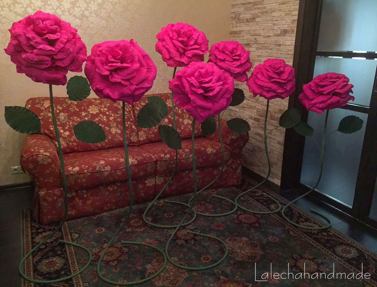 Как сделать огромные цветы из бумаги фото 443