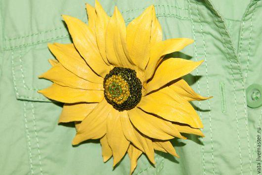 брошь из кожи ручной работы, брошь цветок из натуральной кожи, красивая брошь ручной работы, брошь из натуральной кожи