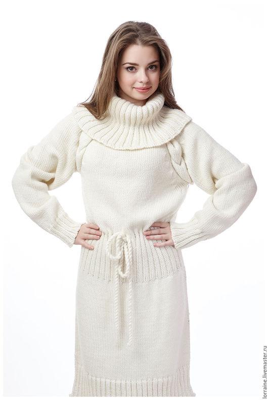 экрю.однотонный.платье вязаное.вязаное платье.платье трикотажное. трикотажное платье.платье вязаное из шерсти.шерстяное платье.платье шерстяное.итальянская шерсть.мягкая пряжа.теплая пряжа