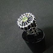 Украшения ручной работы. Ярмарка Мастеров - ручная работа Кольцо с хризолитом. Handmade.
