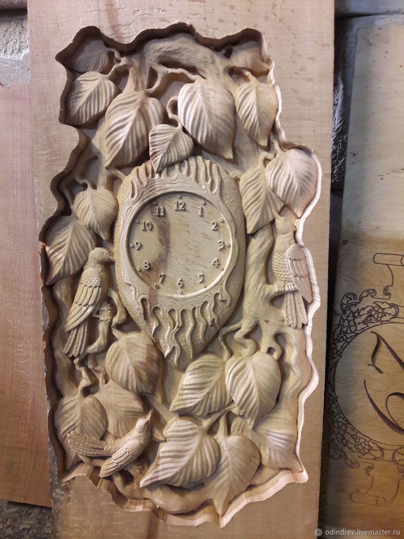 сумочка помогает резные часы из дерева картинки здесь