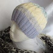 Аксессуары ручной работы. Ярмарка Мастеров - ручная работа Вязаная шапочка, бело-голубой градиент. Handmade.