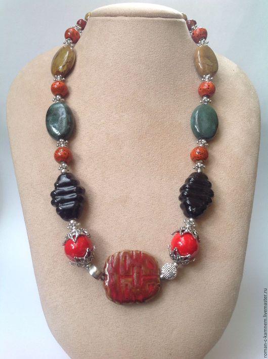 Колье бусы этнические из крупных керамических бусин в стиле бохо . Оригинальный подарок для стильной неординарной женщины и девушки. Handmade necklace.