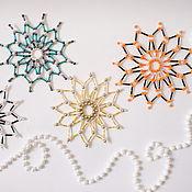 Новогодние сувениры ручной работы. Ярмарка Мастеров - ручная работа Снежинки из бусин, бисера и стекляруса. Handmade.