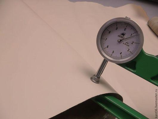 Шитье ручной работы. Ярмарка Мастеров - ручная работа. Купить Галантерейная кожа (1,1-1,3). Handmade. Бежевый