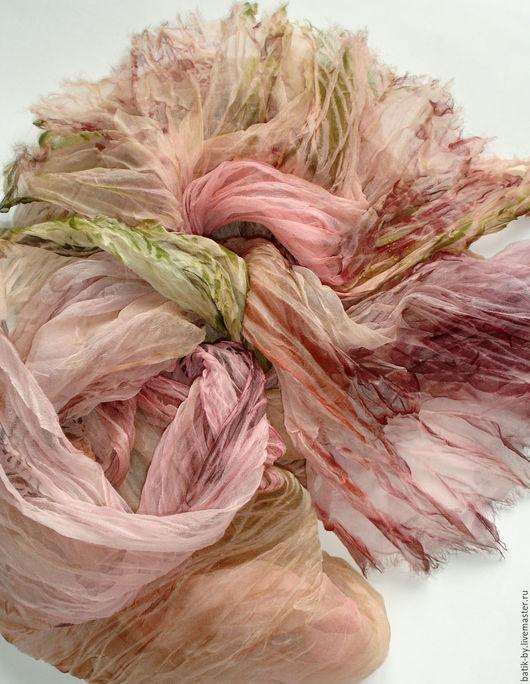 Шали, палантины ручной работы. Ярмарка Мастеров - ручная работа. Купить Палантин Батик «Розовая Осень» шелк 100%. Handmade.
