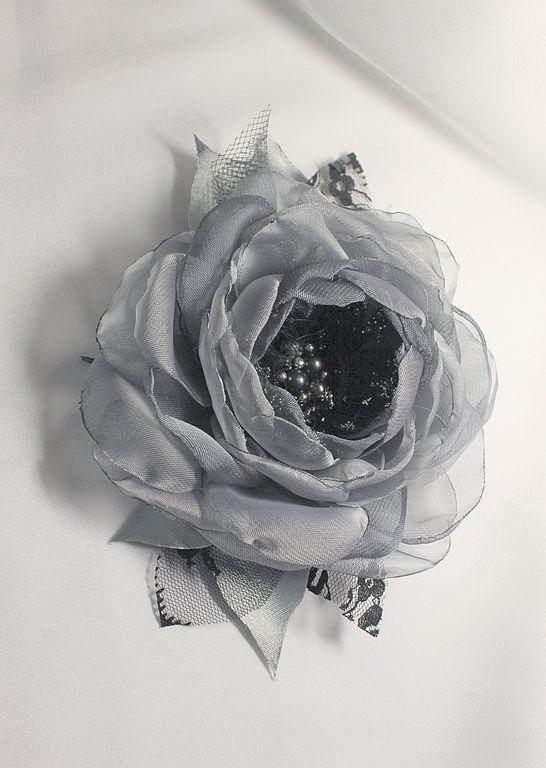 Украшение брошка цветок из шифона на кофту