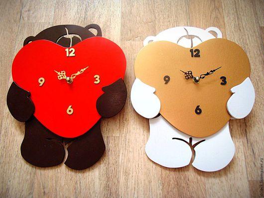 """Часы для дома ручной работы. Ярмарка Мастеров - ручная работа. Купить Настенные часы """"Любвеобильный мишка"""". Handmade. Черный, мишка"""