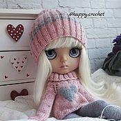 Куклы и игрушки ручной работы. Ярмарка Мастеров - ручная работа Аутфит Шапка+свитер для куколки Блайз. Handmade.