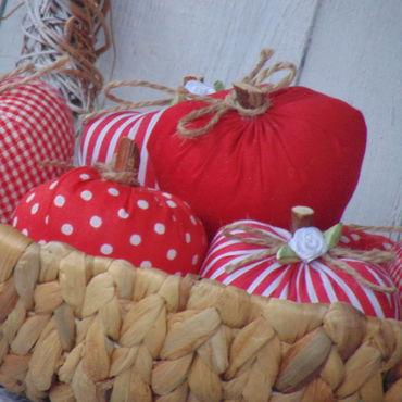 """Куклы и игрушки ручной работы. Ярмарка Мастеров - ручная работа Тильда. Интерьерная игрушка """"Яблоко"""".. Handmade."""