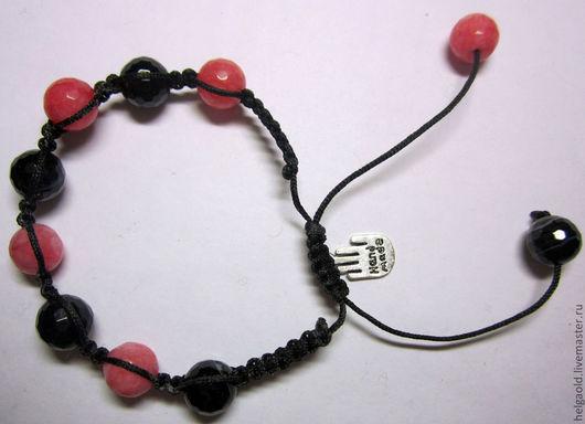 """Браслеты ручной работы. Ярмарка Мастеров - ручная работа. Купить Браслет """"Шамбала"""" из черных и розовых камней с подвеской. Handmade."""
