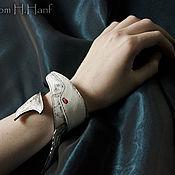 "Украшения ручной работы. Ярмарка Мастеров - ручная работа Белый браслет намотка ""Buckelwal"". Handmade."