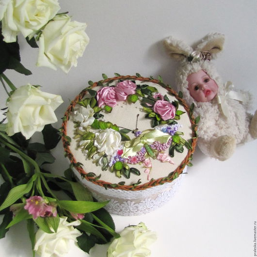 """Шкатулки ручной работы. Ярмарка Мастеров - ручная работа. Купить Шкатулка """"Бабочка в саду"""". Handmade. Розовый, Вышивка лентами, лён"""