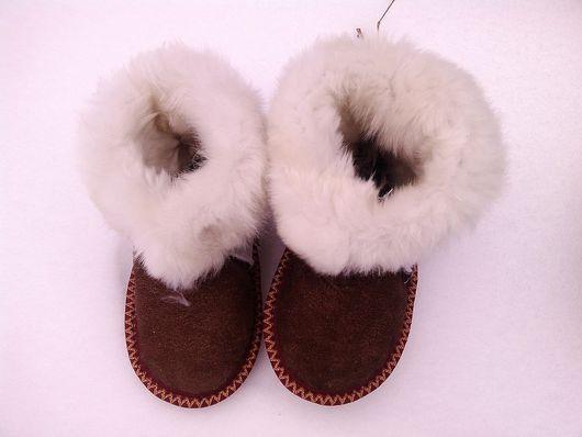 Детская обувь ручной работы. Ярмарка Мастеров - ручная работа. Купить Детские тапочки Чуни из мутона. Handmade. Подарок