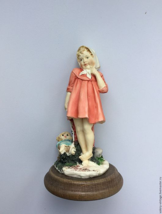 Винтажные сувениры. Ярмарка Мастеров - ручная работа. Купить Винтажная статуэтка, бисквитный фарфор, Capodimonte 1986г.. Handmade. Бисквитный фарфор