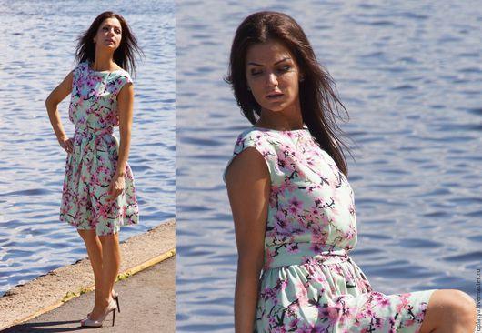 летнее короткое платье, цветочное платье, цветы сакуры, нежное короткое платье, летнее короткое платье, стильное короткое платье, повседневное короткое платье, летнее стильное платье, платье без рукав