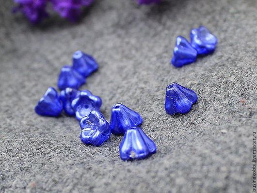 Чешские бусины цветочки стеклянные синий перламутровый  6х8мм, по 5 шт Высота бусинки 6 мм, диаметр 8 мм Бусины цветочки имеют вертикальное отверстие около 1 мм