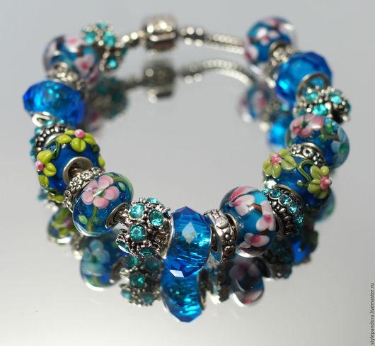 Браслет `Апрельская мелодия души` выполнен из бусин lampwork  Все шармы на браслете можно приобрести отдельно и создать свой собственный браслет Купить браслет