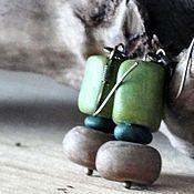 Серьги классические ручной работы. Ярмарка Мастеров - ручная работа Серьги: Зеленые серьги в стиле бохо. Handmade.