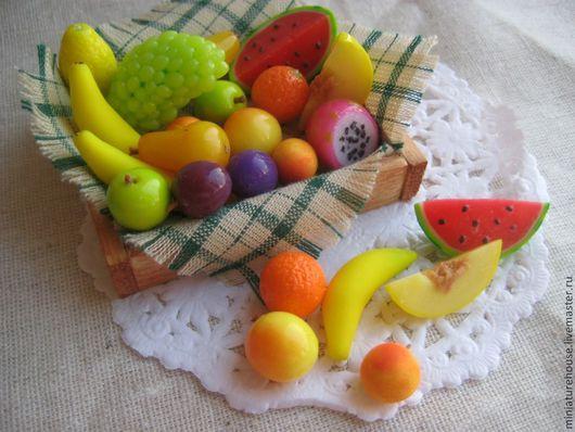 Кукольный дом ручной работы. Ярмарка Мастеров - ручная работа. Купить Миниатюра из полимерной глины.Фрукты в ящичке. Handmade. Миниатюра