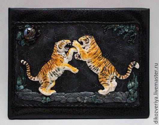 """Блокноты ручной работы. Ярмарка Мастеров - ручная работа. Купить Тетрадь """" Тигриные бои"""". Handmade. Рыжий, барельеф, год тигра"""