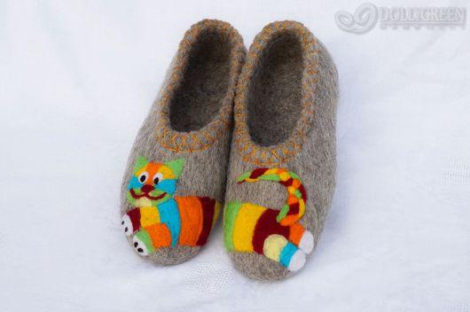 """Обувь ручной работы. Ярмарка Мастеров - ручная работа. Купить Валяные тапочки """"Радужный кот"""". Handmade. Серый, тапочки валяные"""