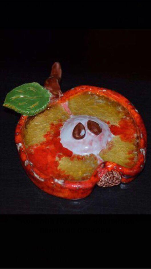 """Натюрморт ручной работы. Ярмарка Мастеров - ручная работа. Купить """"Красное Яблоко"""" настенное панно со стеклом (поколение 1). Handmade."""