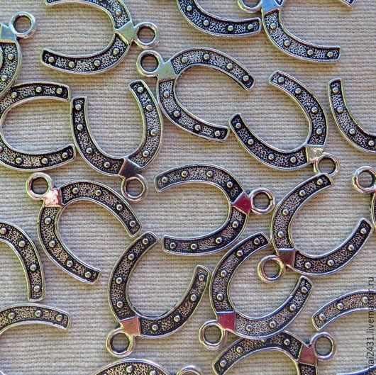 Подвеска подкова, античное серебро