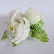 Украшения ручной работы. Ярмарка Мастеров - ручная работа Белые розы: брошь-заколка и 4 розы на шпильках. Handmade.