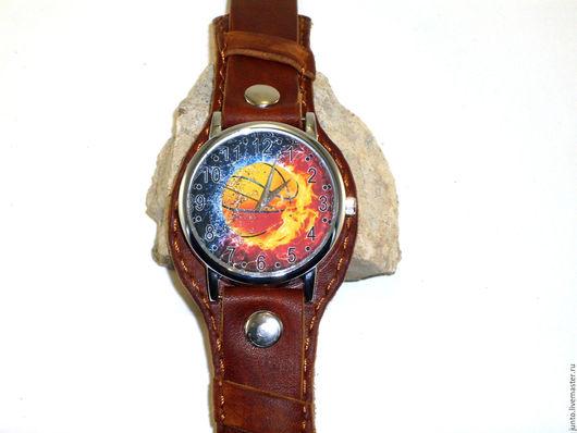 """Часы ручной работы. Ярмарка Мастеров - ручная работа. Купить Наручные часы """"Баскетбол"""". Handmade. Коричневый, часы наручные женские"""