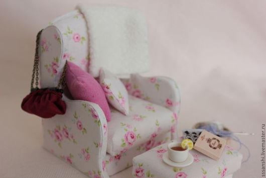 """Кукольный дом ручной работы. Ярмарка Мастеров - ручная работа. Купить Миниатюра """"Каминное кресло"""". Handmade. Кукольный домик, миниатюра"""