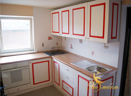 """Мебель ручной работы. Ярмарка Мастеров - ручная работа. Купить Кухня белая с Красным """"Рябина на снегу"""". Handmade. Ярко-красный"""