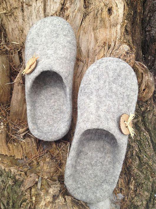 Обувь ручной работы. Ярмарка Мастеров - ручная работа. Купить женские тапки-шлепки. Handmade. Серый, валяная обувь