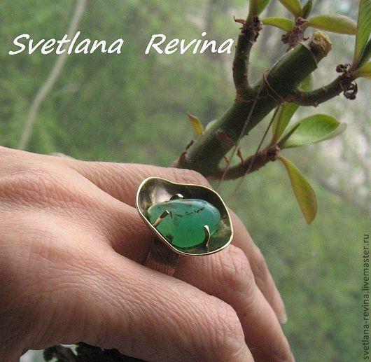 """Кольца ручной работы. Ярмарка Мастеров - ручная работа. Купить кольцо с хризопразом """"Сияние внутреннего света"""". Handmade. Ярко-зелёный"""