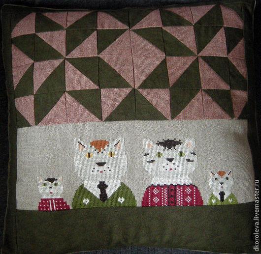 """Текстиль, ковры ручной работы. Ярмарка Мастеров - ручная работа. Купить Подушка """"Моя семья"""". Handmade. Тёмно-зелёный, шитье"""