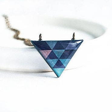 Украшения ручной работы. Ярмарка Мастеров - ручная работа Треугольный темно-синий кулон. Handmade.