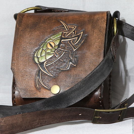 """Мужские сумки ручной работы. Ярмарка Мастеров - ручная работа. Купить Мужская сумка """"Змея"""" из натуральной кожи с гравировкой. Handmade."""