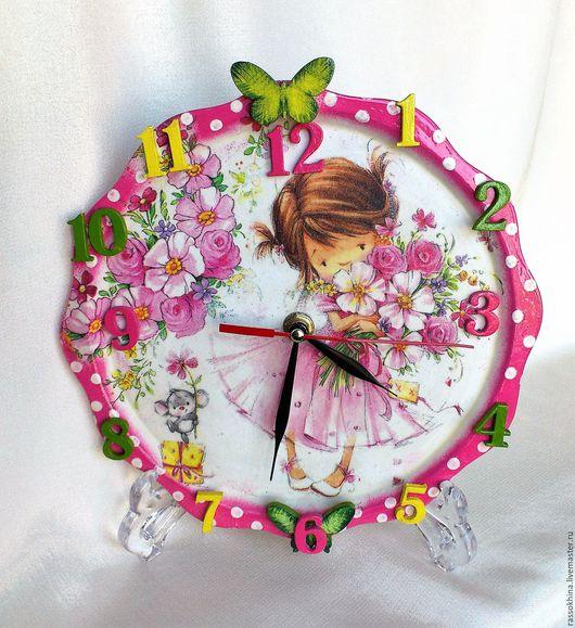 """Часы для дома ручной работы. Ярмарка Мастеров - ручная работа. Купить Часы в детскую """"Малышка с букетом"""". Handmade. Часы, фанер"""