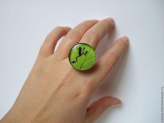 Кольца ручной работы. Ярмарка Мастеров - ручная работа. Купить Крупное Кольцо Яркая Зеленая Лягушка. Handmade.