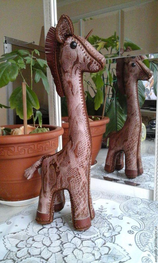 Куклы и игрушки ручной работы. Ярмарка Мастеров - ручная работа. Купить жираф из натуральной кожи. Handmade. Коричневый, украшение для интерьера