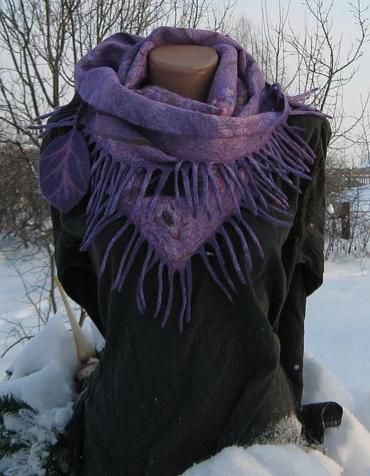 """Шарфы и шарфики ручной работы. Ярмарка Мастеров - ручная работа. Купить Шарф-бактус валяный """"Моей подруге"""" нуновойлок павловопосадский платок. Handmade."""