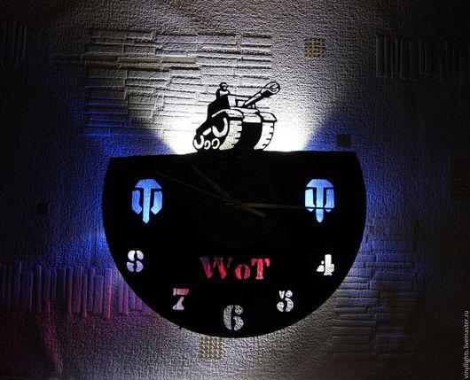 Часы для дома ручной работы. Ярмарка Мастеров - ручная работа. Купить Часы настенные с подсветкой из виниловой пластинки World of Tanks. Handmade.