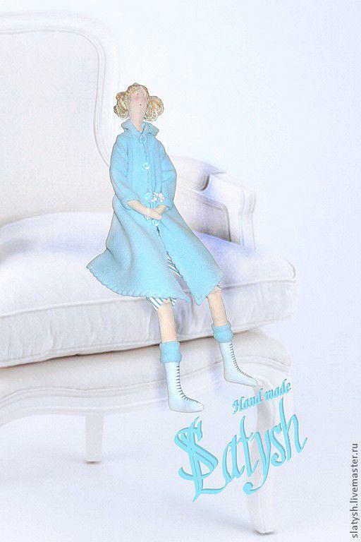 """Куклы Тильды ручной работы. Ярмарка Мастеров - ручная работа. Купить Кукла тряпичная """"Прогулка в голубом"""". Handmade. Голубой"""