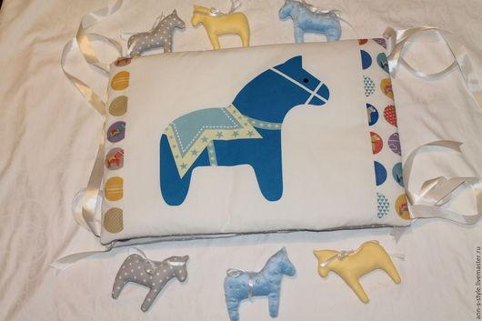 """Детская ручной работы. Ярмарка Мастеров - ручная работа. Купить Бортики в кроватку """"Pretty horse"""". Handmade. Комбинированный, мальчику, хлопок"""