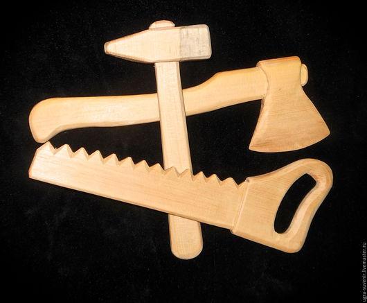 Набор юных строителей №3 - топорик, молоток и пила-ножовка   АКЦИЯ - в подарок за Ваш заказ - кедровая шишка урожая 2015 года