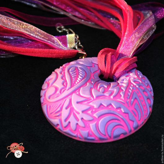 """Кулоны, подвески ручной работы. Ярмарка Мастеров - ручная работа. Купить Кулон с узором пейсли """"Розовый и фуксия"""""""". Handmade. Фуксия"""