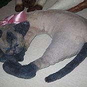 Для дома и интерьера ручной работы. Ярмарка Мастеров - ручная работа подушка кошка Сиамка. Handmade.