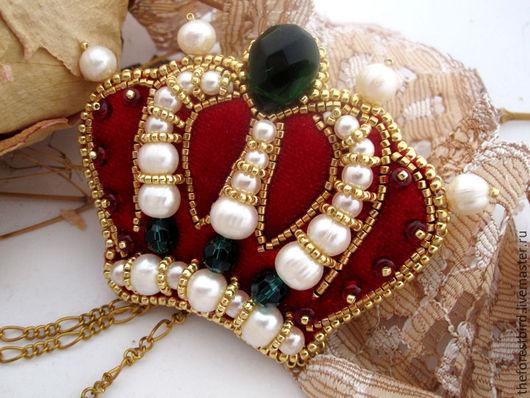 """Броши ручной работы. Ярмарка Мастеров - ручная работа. Купить Брошь из бисера """"Корона"""". Handmade. Ярко-красный, корона"""
