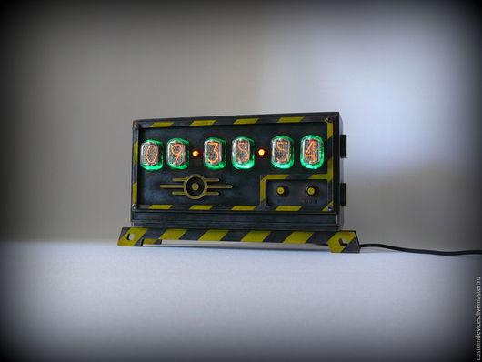 """Подарки для мужчин, ручной работы. Ярмарка Мастеров - ручная работа. Купить Ламповые часы """"Fallout"""" №10 Reactor edition. Handmade."""